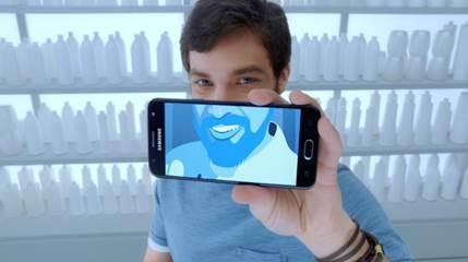 Cena do comercial da Samsung