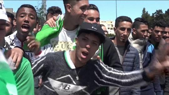 Torcidas fanáticas e emoção até os últimos minutos: o dérbi de Casablanca