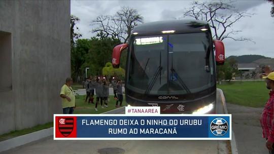 Torcida do Flamengo faz enorme festa na saída do ônibus do Ninho para o Maracanã