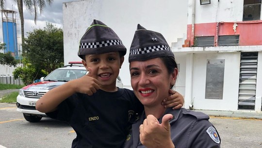 Mini policial: realizamos sonho do Enzo conhecer o canil da PM