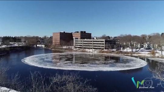 Placa de gelo em forma de círculo chama atenção em rio nos EUA