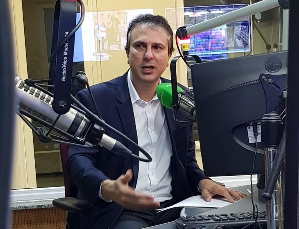 Governador Camilo Santana afirma que orçamento do estado está garantido para realização de concursos das polícias civil e militar — Foto: José Leomar/SVM