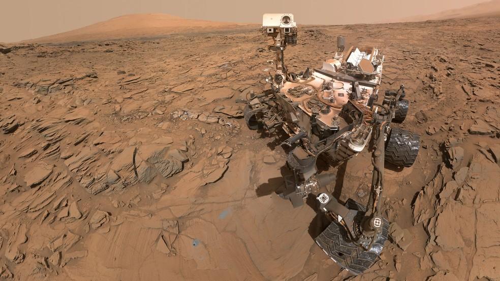 A missão do robô Curiosity (na foto) encontrou moléculas orgânicas, desvendou detalhes sobre as estações climáticas marcianas e detalhou as variações de temperatura do planeta. — Foto: Nasa/JPL