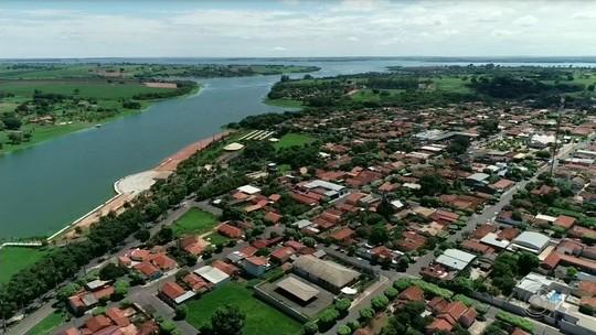 Poluição no Rio Tietê prejudica turismo em 'prainha' de Sabino