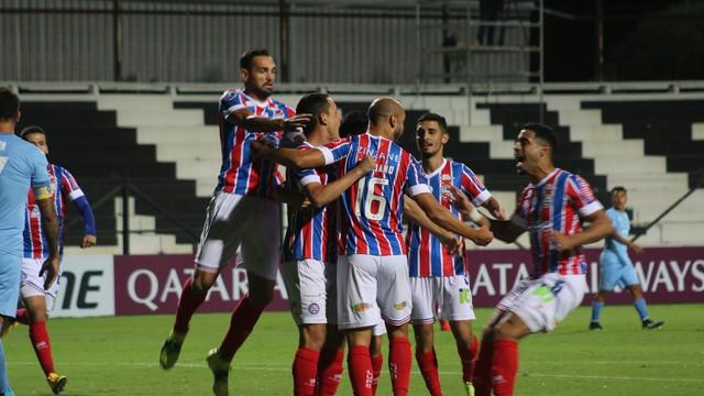 Bahia comemora gol sobre o Montevideo City