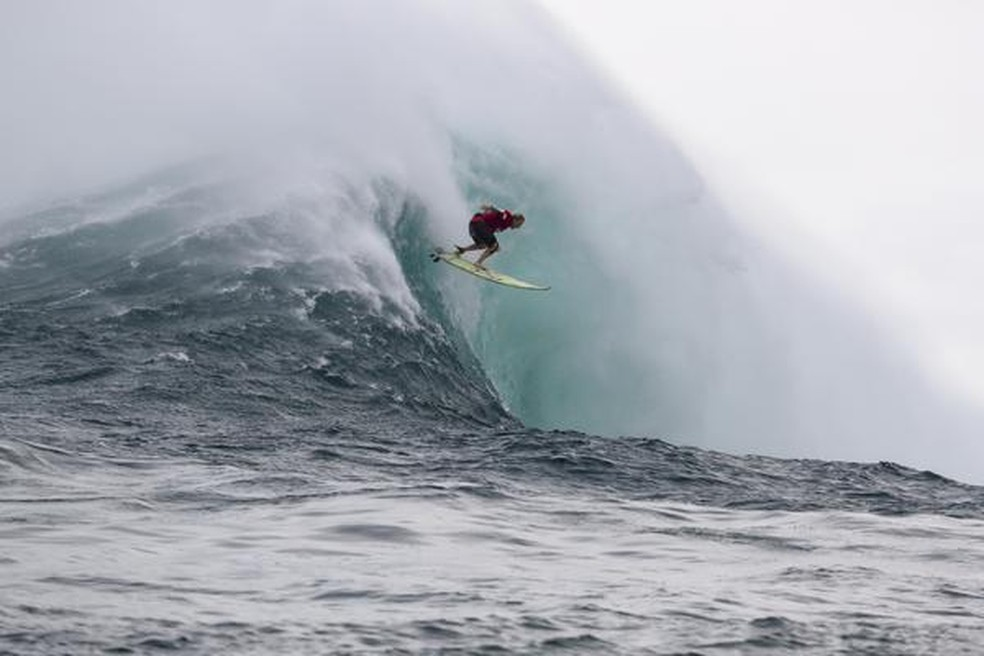 A havaiana Keala Kennelly é a campeã do WSL Big Wave de Jaws — Foto: WSL / Hallman