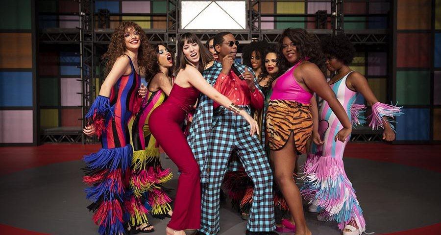 O musical 'O frenético Dancin' Days' está em cartaz na Barra