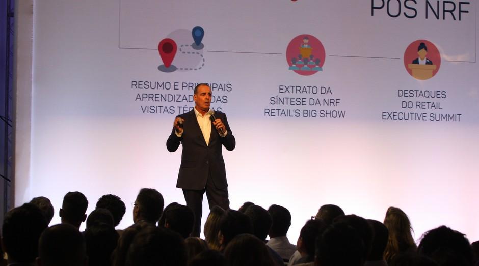 Marcos Gouvêa de Souza, diretor do Grupo GS&, fala durante evento pós-NRF (Foto: Divulgação)