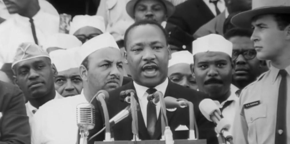 Martin Luther King discursa (Foto: Reprodução/TV Globo)