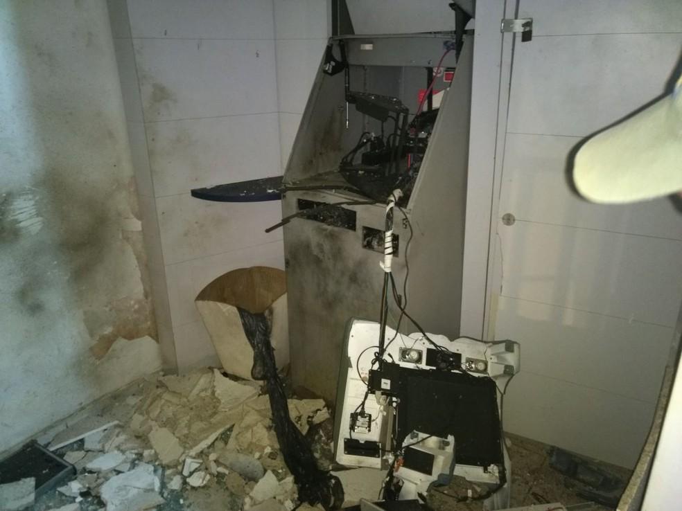 Caixa eletrônico ficava no pátio interno da Usina Cucau. (Foto: Reprodução/WhatsApp)