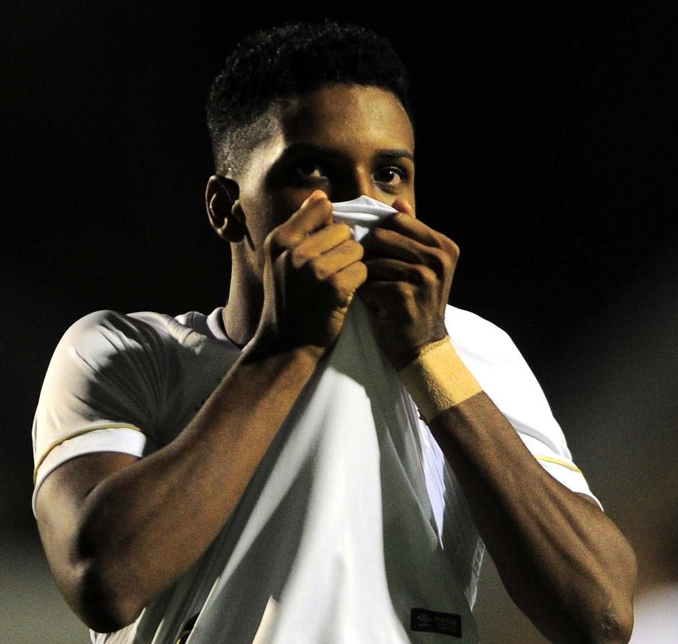 """Rodrygo representará o Brasil em premiação da revista """"France Football"""" — Foto: Marcos Ribolli"""