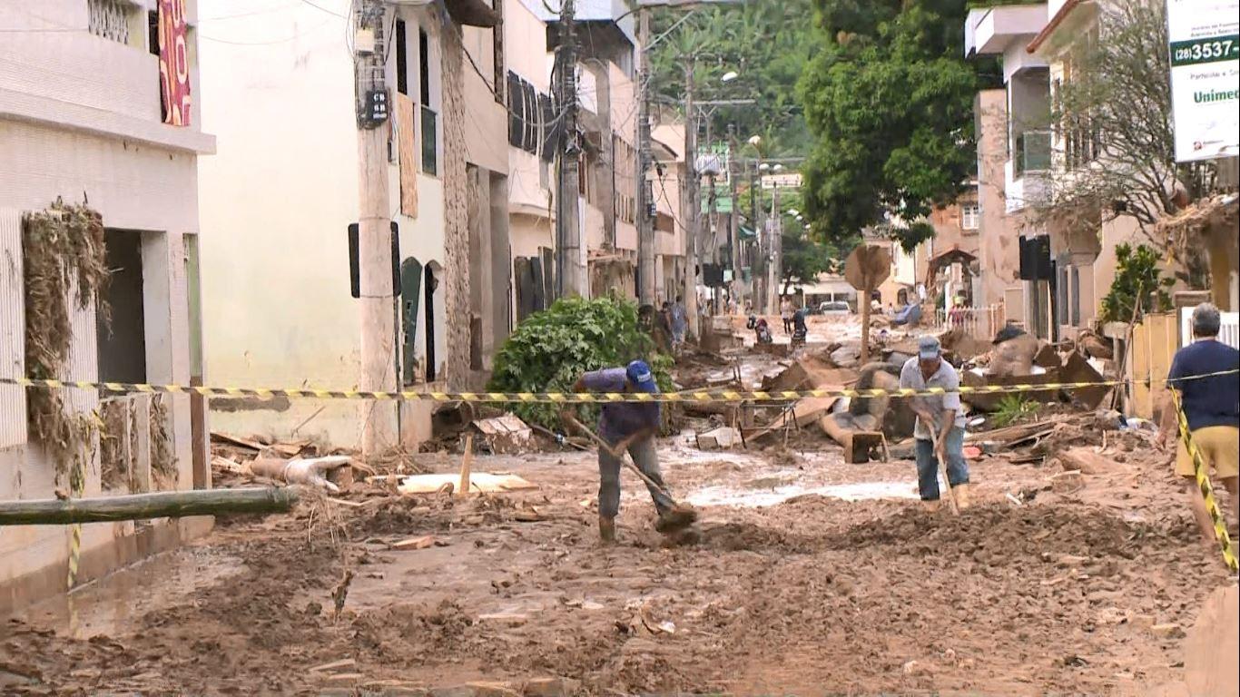 Cidades do interior do Rio arrecadam donativos para ajudar vítimas da chuva no Espírito Santo