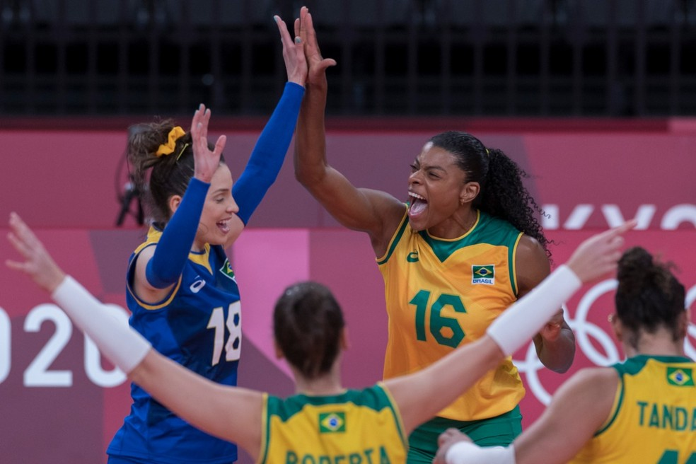 Brasil encara russas nas Olimpíadas - Julio César Guimarães/COB