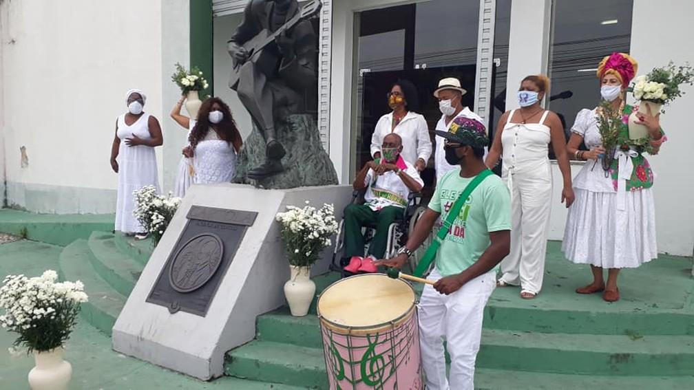 Nelson Sargento participa de ato em defesa do carnaval no Museu do Samba — Foto: Raphael Perucci / Museu do Samba