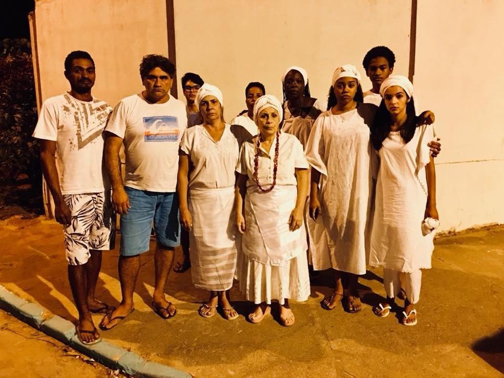 Grupo realizava atividade religiosa no momento do ataque e, por pouco, ninguém se feriu (Foto: Bebeto Karolla - Folha de Búzios)