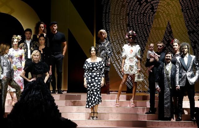 Veja todos os looks do desfile da marca na semana de moda de Milão f9a0ac5f7d