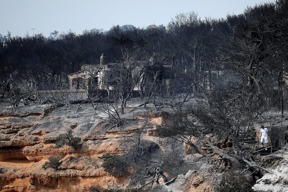 Vilarejo de Mati, na Grécia, é atingido por incêndio (Foto: Alkis Konstantinidis/Reuters)