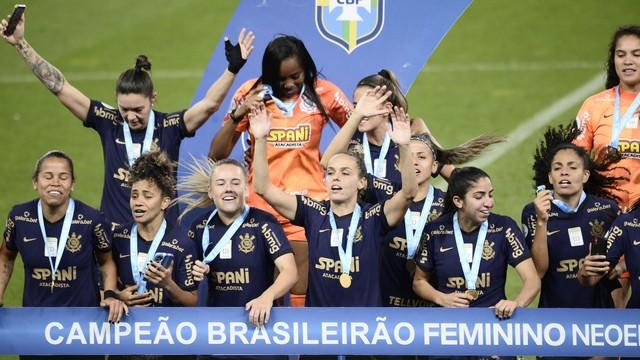 rib9548 Corinthians volta a ganhar do Palmeiras e fatura o tri do Brasileiro Feminino