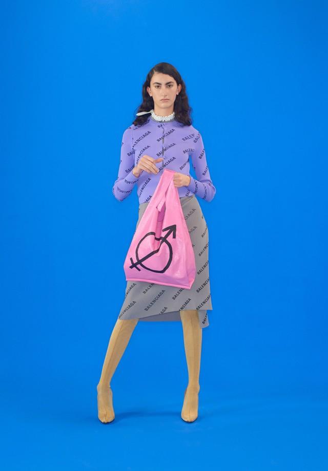 A nova bolsa sacola da Balenciaga (Foto: Divulgação)