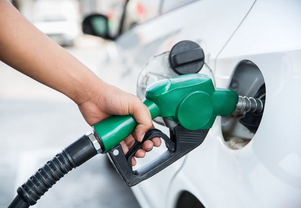 Combustível, gasolina (Foto: Bunyarit / Getty Images)