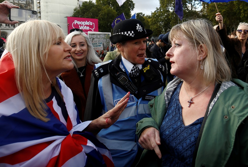 Protesters for and against Brexit argue during demonstration in London - Photo: REUTERS / Henry Nicholls
