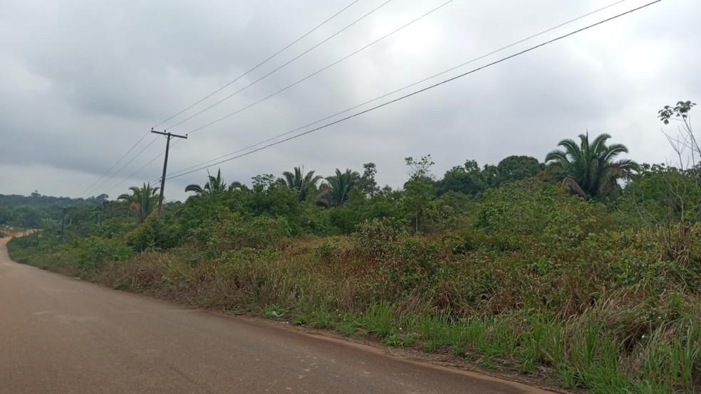 Área próxima onde o empresário foi deixado em Porto Velho após o assalto — Foto: Lilian Oliveira/Rede Amazônica