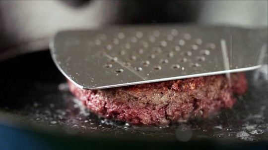 Conheça o hambúrguer de ervilha, que imita o de carne com perfeição