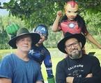 Luiz Fernando Guimarães com o marido e os filhos    Reprodução