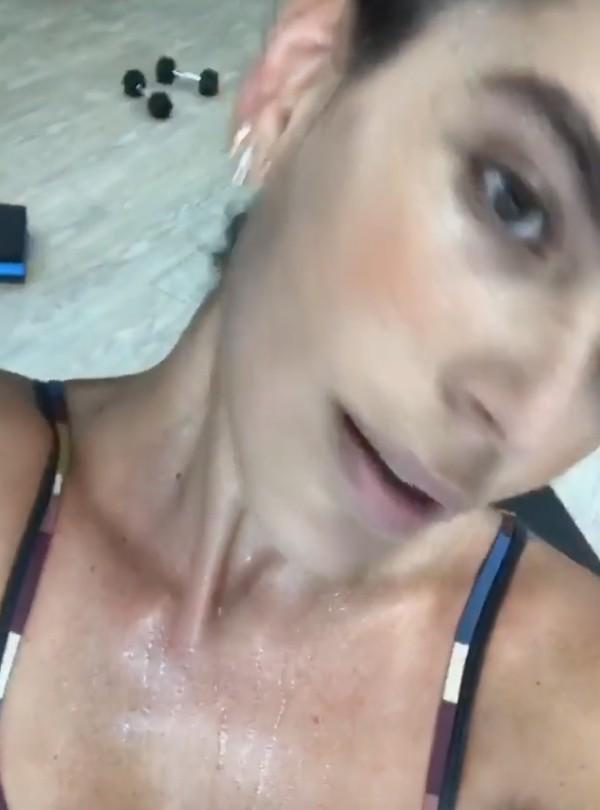 Mariana Goldfarb pega pesado na academia (Foto: Reprodução/Instagram)
