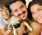 Priscilla Fantin com o filho, Romeo, e o marido, Bruno Lopes   Reprodução