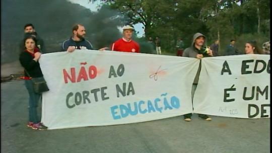 Protestos contra a reforma da Previdência afetam serviços na região da campanha