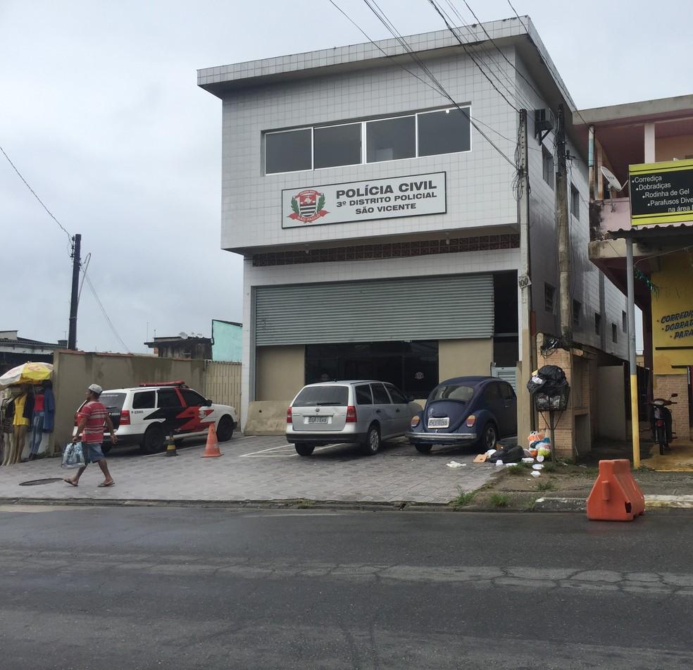 Caso é investigado pelo 3º DP de São Vicente, SP — Foto: Andressa Barboza/G1