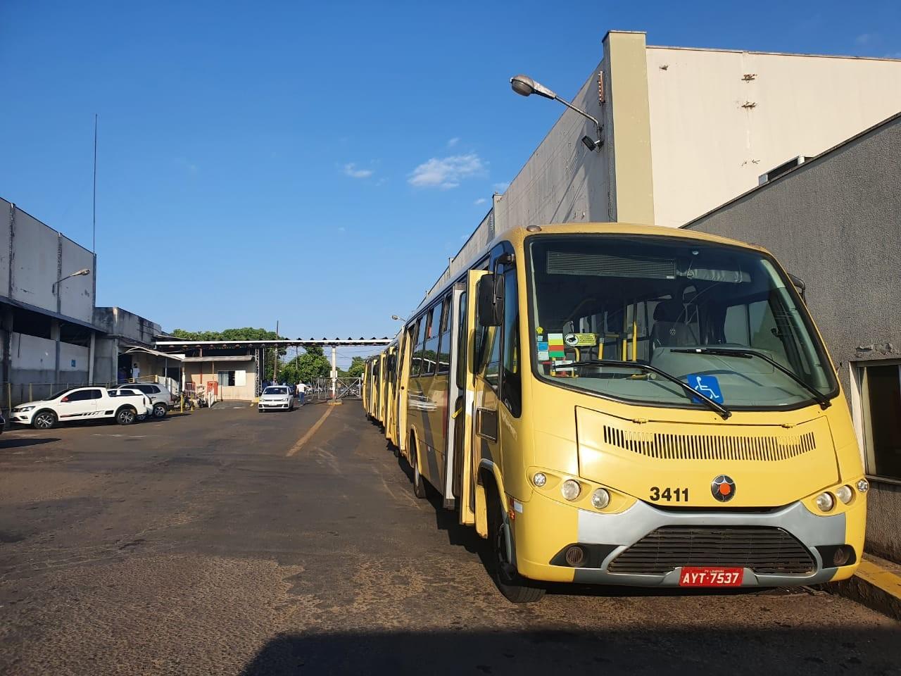 Após acordo com empresa, funcionários do transporte coletivo suspendem paralisação, em Londrina