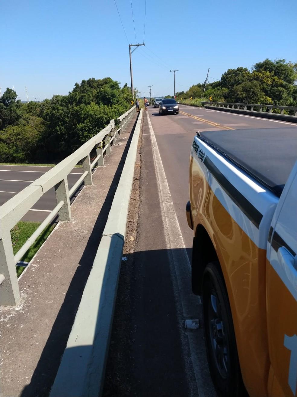 Acidente aconteceu no km 05 da rodovia. — Foto: Comando Rodoviário da Brigada Militar (CRBM)/Divulgação