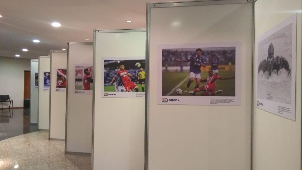 Fotos e vídeos de fatos marcantes de Alagoas e do Brasil são expostos no Jaraguá, em Maceió