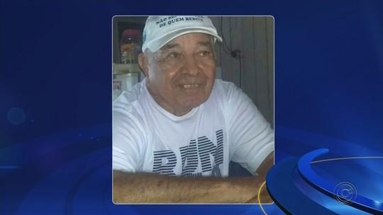 Vídeo mostra que suspeito de matar idoso dentro de casa levou filho de 3 anos no dia do crime