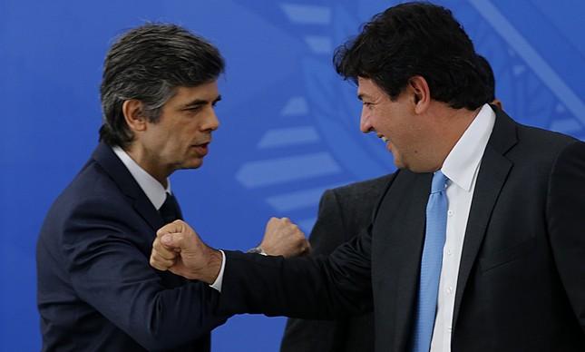 Os ex-ministros da Saúde Nelson Teich e Luiz Henrique Mandetta