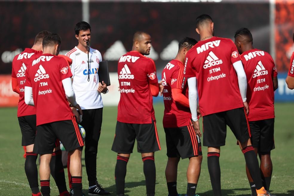 Maurício Barbieri assinou contrato na semana passada até o fim do ano (Foto: Gilvan de Souza / Flamengo)