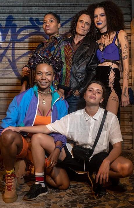 Lorrane Motta, Zélia Duncan, Clarissa Ribeiro, Camila Rocha e Bruna Linzmeyer (Foto: Bléia Campos)