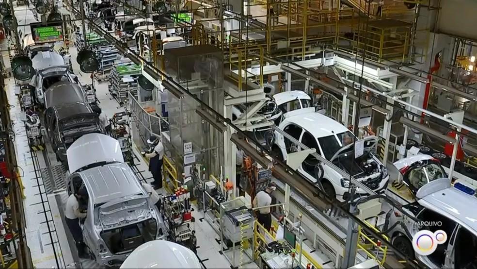 Produção automotiva— Foto: Reprodução/TV TEM