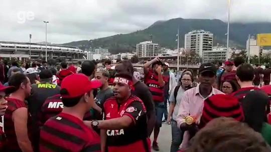 Cambistas cobram R$ 700 por ingresso que custou R$ 70