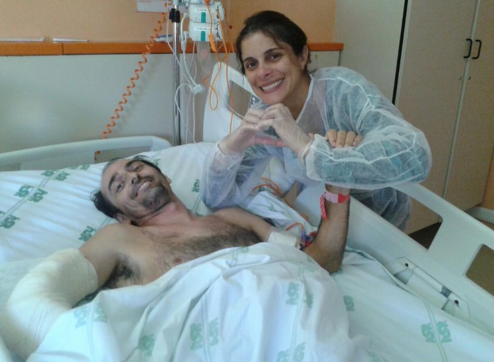 Rui e a esposa Renata Rocha no Hospital São Rafael — Foto: Arquivo Pessoal