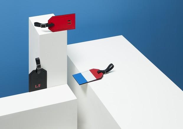 Tags com as bandeiras permitem personalizar ainda mais as bagagens (Foto: Divulgação)