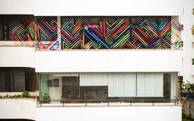 Bordados coloridos transformam varanda