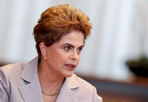 A presidente Dilma Rousseff conversa com jornalistas de agências internacionais (Foto: Roberto Stuckert Filho/PR)