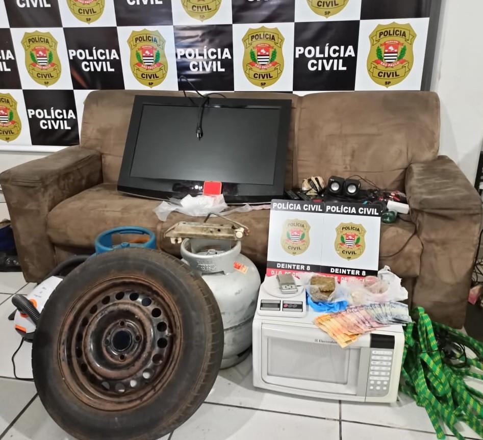 Drogas e objetos de origem suspeita são apreendidos durante operação da Polícia Civil, em Dracena