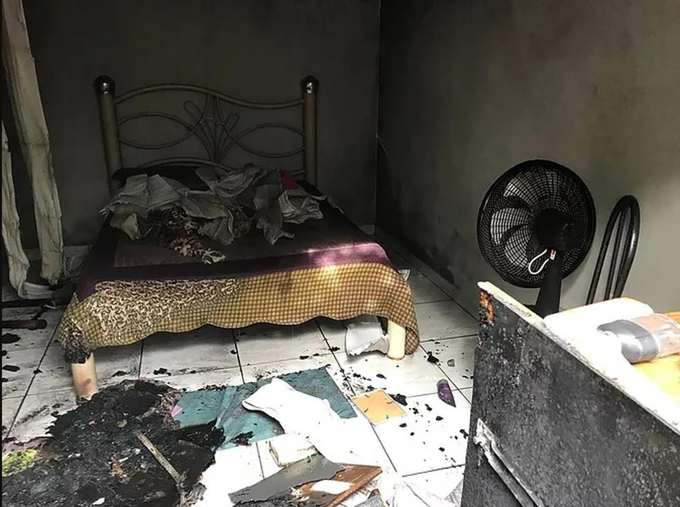 Quarto de mulher foi incendiado pelo ex-companheiro em Tangará da Serra — Foto: Tangará em foco