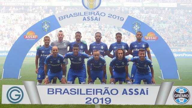 Grêmio vestiu uniforme novo neste domingo