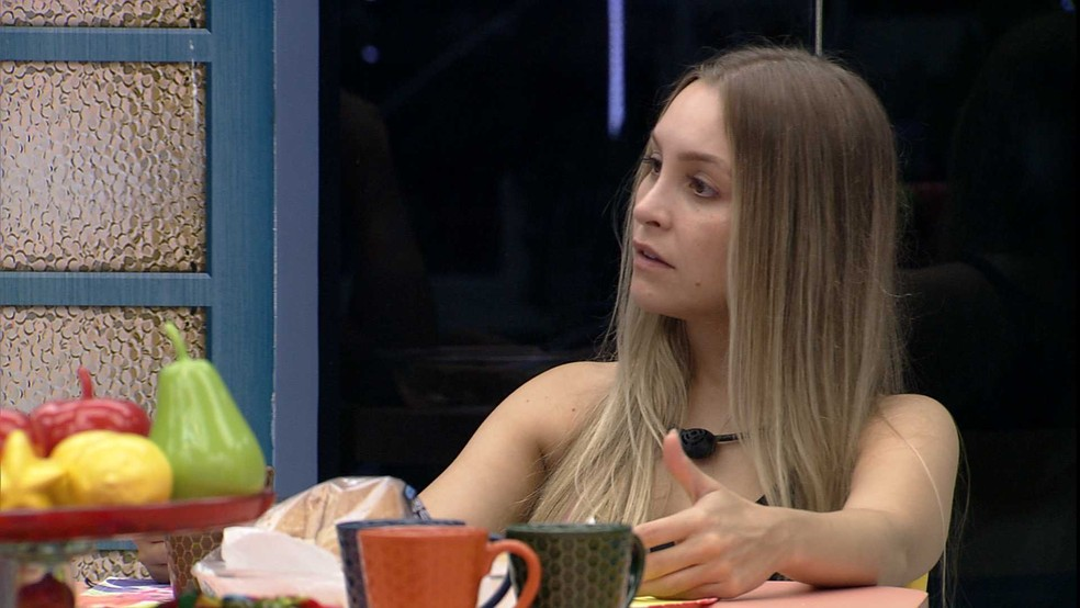 BBB21: Carla Diaz reclama de brother — Foto: Globo