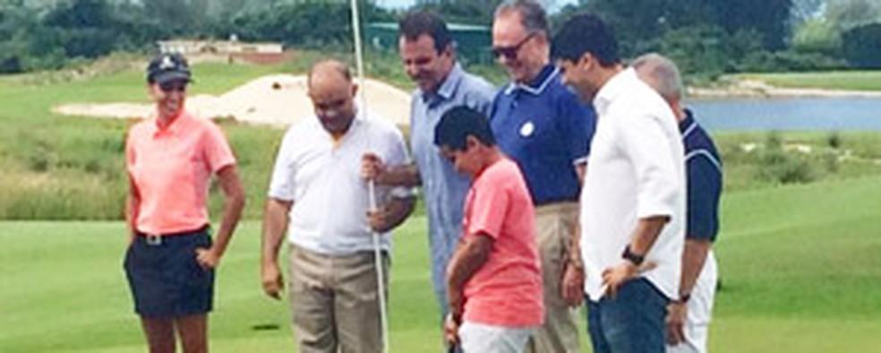 Prefeito do Rio Eduardo Paes entrega campo de golfe das Olimpíadas (Foto: Alba Valéria Mendonça/G1)